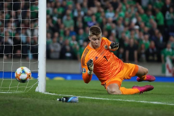Im EM-Qualifikationsspiel Deutschland - Nordirland im Windsor Park in Belfast erkämpft sich die deutsche Nationalmannschaft am Ende einen doch knappen 2:0 Sieg. Damit gibt es mit Deutschland einen neuen Tabellenführer der Gruppe C. SPORT1 präsentiert die internationalen Pressestimmen