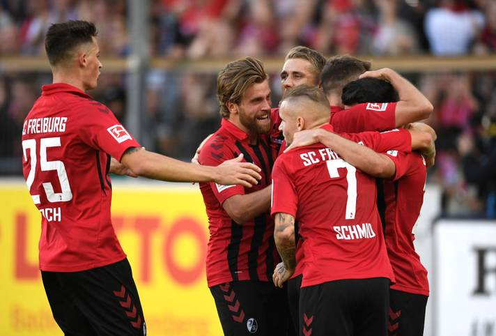 Dem SC Freiburg gelang ein furioser Start in die Bundesliga Spielzeit 2019/20. Nachdem anfänglich immer auf das vermeintlich einfache Auftaktprogramm mit Mannschaften wie Mainz und Paderborn verwiesen wurde, folgte ein deutlicher 3:0-Auswärtssieg bei der TSG Hoffenheim oder ein 2:2-Unentschieden zuhause gegen Vizemeister Borussia Dortmund