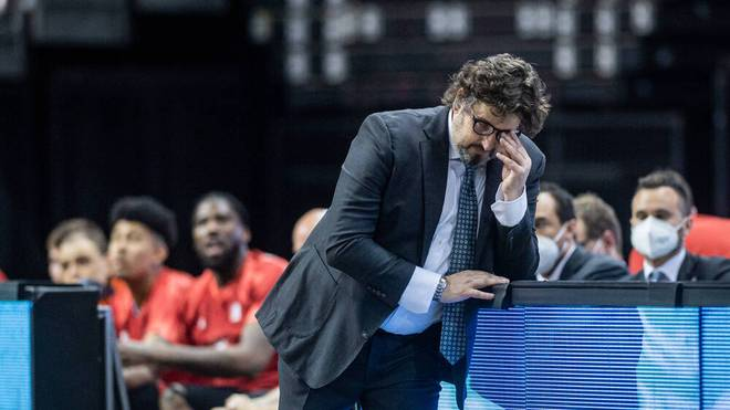 Bayern Münchens Coach Andrea Trinchieri übte nach der Niederlage gegen ALBA Berlin Kritik an seinem Team