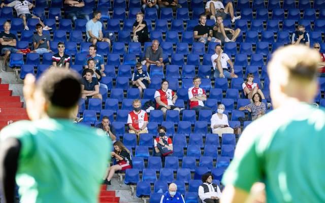 Auf volle Stadien müssen Sport-Enthusiasten wohl noch länger verzichten
