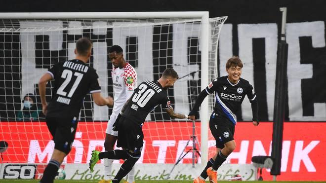 Ritsu Doan (r.) erzielte das 2:0 für Arminia Bielefeld gegen Mainz 05