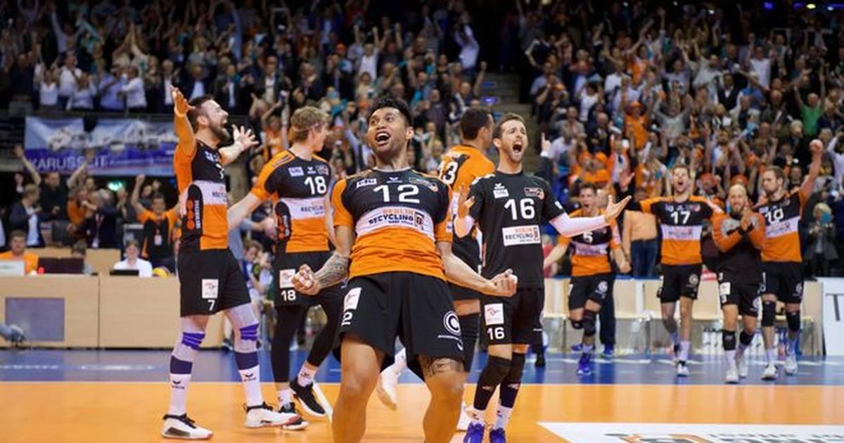 Volleyball: Berlin Recyling Volleys und VfB Friedrichshafen weiter ungeschlagen - SPORT1