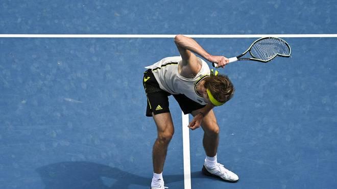 Alexander Zverev ließ seinen zwischenzeitlichen Frust an seinem Schläger aus