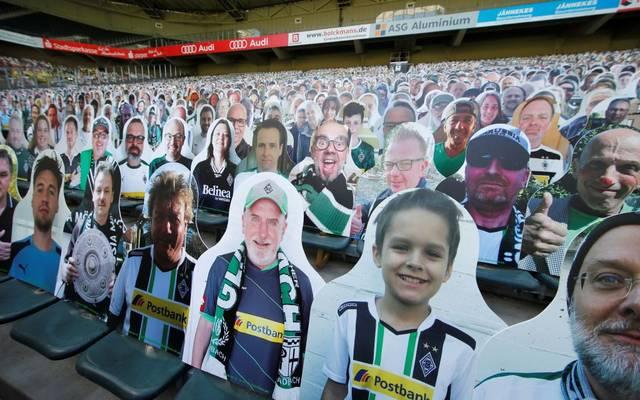 """Mit den """"Pappkameraden"""" konnten die Gladbacher Fans lokale Unternehmen während der Coronakrise unterstützen"""
