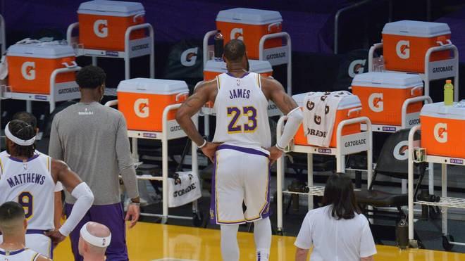 LeBron James konnte das Spiel gegen die Raptors nicht beenden