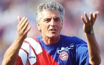 Erich Ribbeck - 569 Spiele: Trainer u.a. bei Bayern München, Borussia Dortmund und Bayer Leverkusen. Erfolge: UEFA-Pokal (1988 Bayer Leverkusen)