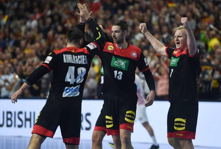 Deutschlands Handballer stehen im Halbfinale der Handball-WM. Ungeschlagen marschieren die DHB-Jungs durch die Hauptrunde und sichern sich den Gruppensieg. Im Kampf um den Einzug ins Finale wartet ein harter Brocken...