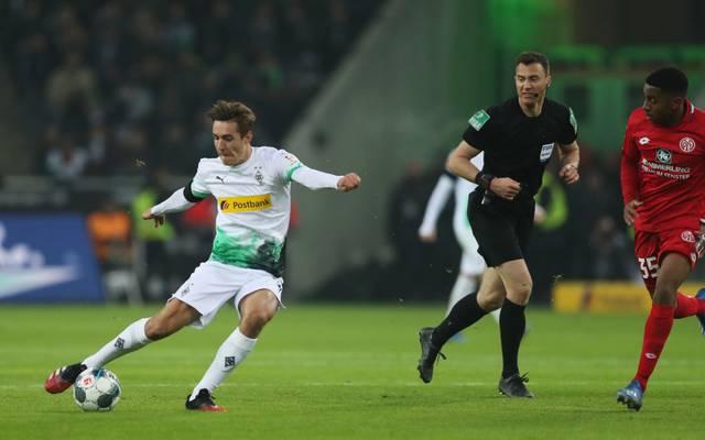 Florian Neuhaus erzielt das 3:1 gegen Mainz 05