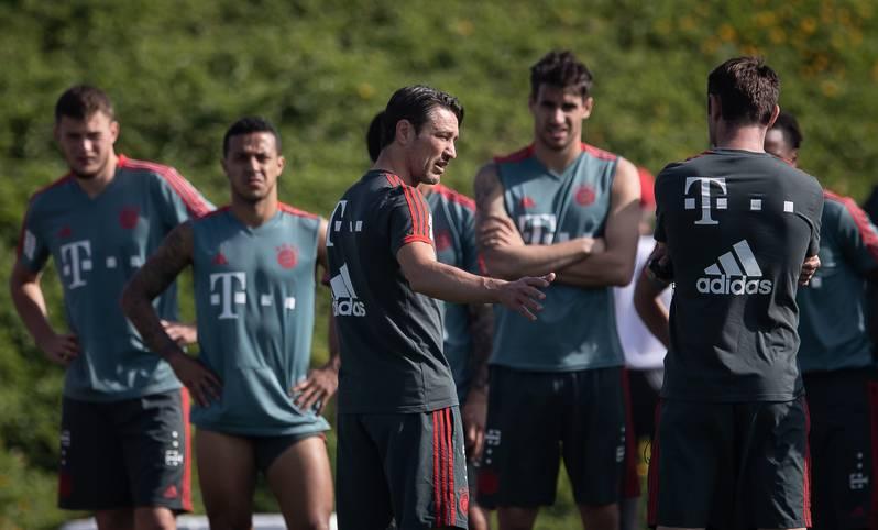 Mit 25 Feldspielern und vier Torhütern reiste der FC Bayern in das einwöchige Wintertrainingslager in Doha/Katar