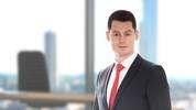 Dr. Andrej Dalinger ist Rechtsanwalt aus Frankfurt am Main und berät Spieler, Klubs und Spielerberater bei arbeits- und strafrechtlichen Fragen