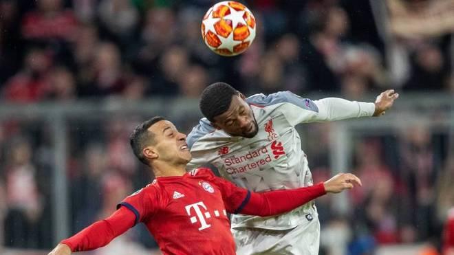 Gini Wijnaldum (r.) könnte den FC Liverpool verlassen, um Platz für Thiago zu schaffen