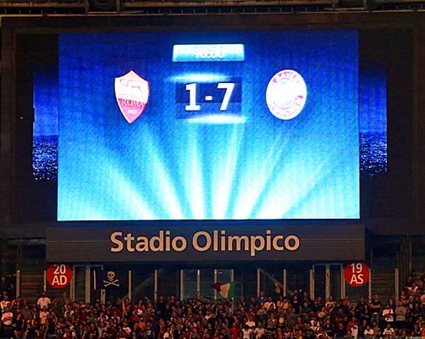 """7:1. In Worten: Sieben zu Eins. Mit einer Galavorstellung demütigt der FC Bayern den AS Rom am 3. Spieltag der Champions-League-Gruppenphase vor eigenem Publikum. Die """"Gazzetta dello Sport"""" schreibt anschließend von der """"Plünderung Roms"""""""