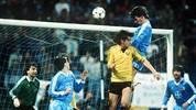 1986 sind gleich zwei deutsche Vereine an einer Europapokal-Sternstunde beteiligt: Bayer 05 Uerdingen zieht gegen Dynamo Dresden mit einem 7:3 im Viertelfinal-Rückspiel des Europapokals der Pokalsieger ins Halbfinale ein. Und das, obwohl die Dresdner das Hinspiel 2:0 gewonnen und im Rückspiel schon mit 3:1 geführt hatten
