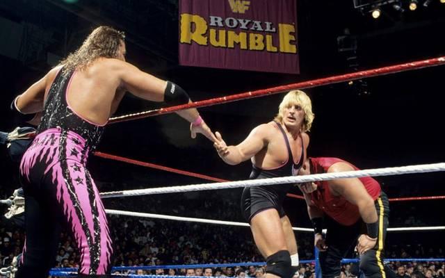 Bret Hart (l.) und Bruder Owen Hart bei einem gemeinsamen WWE-Match 1994