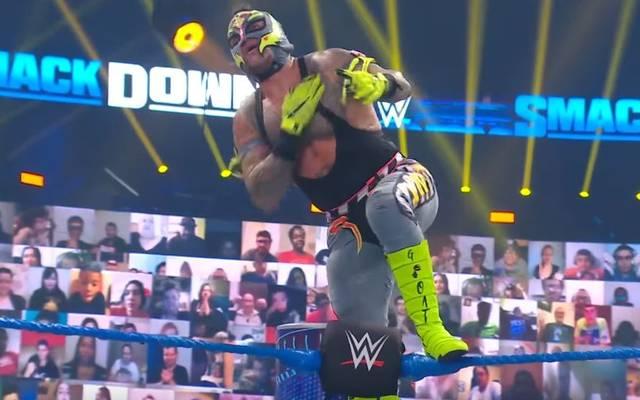 Rey Mysterio zollte bei WWE Friday Night SmackDown Eddie Guerrero Tribut