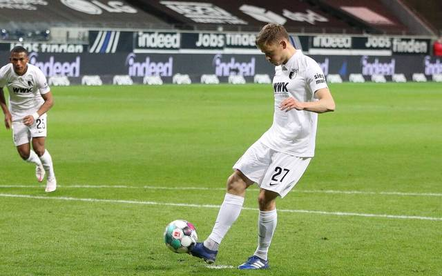 Alfred Finnbogason steht in der Startaufstellung des FC Augsburg