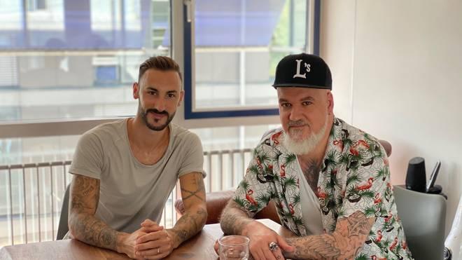 SPORT1-Reporter Reinhard Franke (r.) traf Diego Contento zum Interview
