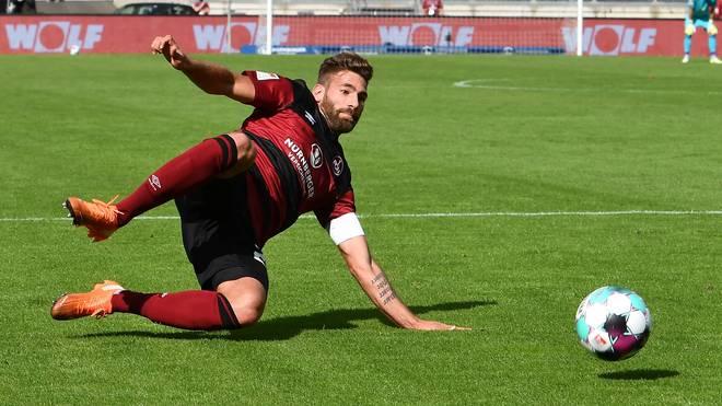 Der 1. FC Nürnberg mit Enrico Valentini muss gegen Darmstadt ran
