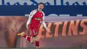 Roland Sallai jubelt bei einem Treffer für Freiburg