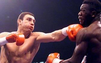 Und noch mal die zweite Runde: Klitschko kürt sich am 26. Mai 1999 durch einen K.o.-Sieg gegen den Nigerianer Herbie Hide zum Weltmeister der WBO