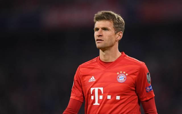 Thomas Müller sitzt gegen den SC Paderborn auf der Bank