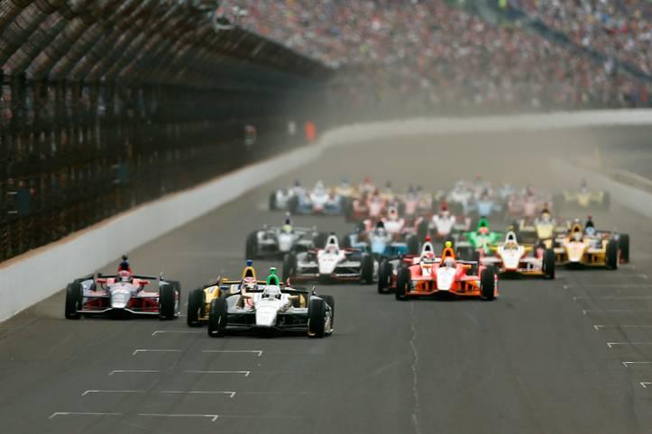 Es ist das legendärste Autorennen Nordamerikas und steht auf einer Stufe mit dem Grand Prix von Monaco und den 24 Stunden von Le Mans. Das Indy 500 auf dem Brickyard in Indianapolis ist jedes Jahr das Highlight der IndyCar Series. 2018 steht bereits die 102. Ausgabe an