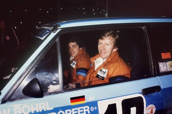 """Walter Röhrl ist eine echte WRC-Legende und zwischen 1973 und 1987 als Rallyeprofi aktiv. Als bisher einziger Deutscher gewinnt """"der Lange"""", wie er auch häufig genannt wird, die Rallye-Weltmeisterschaft (1980 und 1982)"""