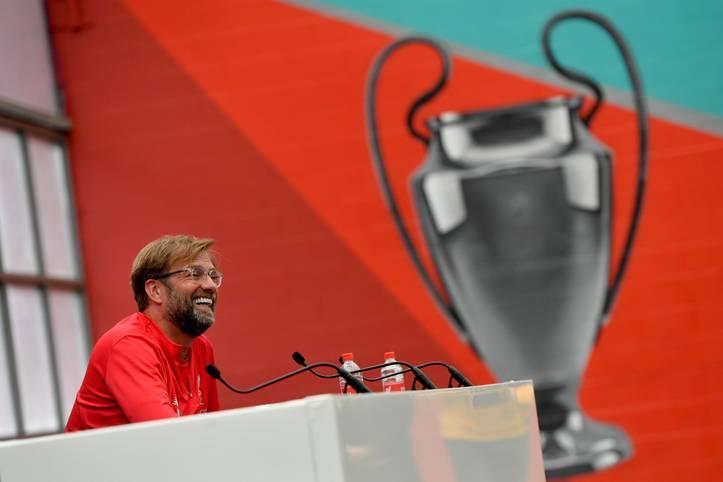 Jürgen Klopp hat den Henkelpott fest im Visier. Dreieinhalb Jahre nach seinem Amtsantritt beim FC Liverpool will er nach dem verlorenen Endspiel im Vorjahr nun am Samstag in Madrid gegen Tottenham Hotspur endlich den ersten Titel mit den Reds holen