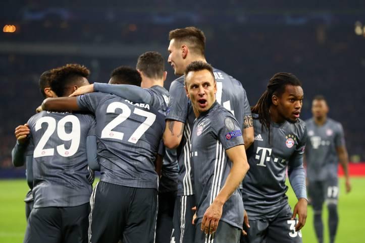 Was für ein Krimi! Mit einem 3:3 rettet der FC Bayern in einer packenden Partie den Gruppensieg gegen Ajax Amsterdam. SPORT1 mit der Einzelkritik zum Spiel