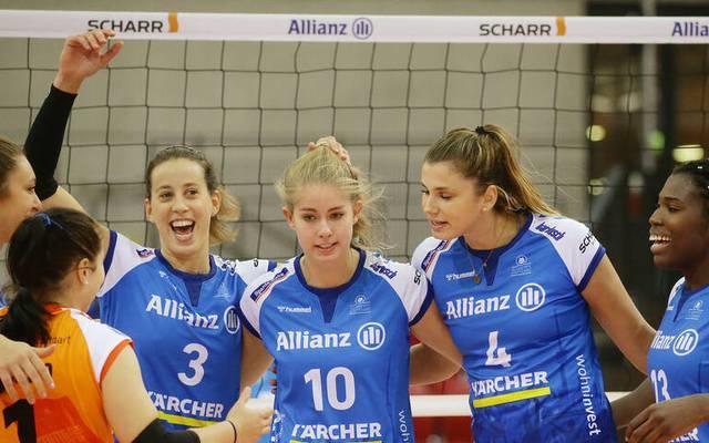 Bei den Volleyballerinnen des MTV Stuttgart gibt es Grund zur Freude