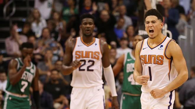 Devin Booker (r.) von den Phoenix Suns gewann das Finale gegen seinen Teamkollegen Deandre Ayton (l.)