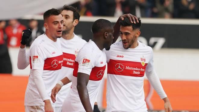 Stuttgarts Philipp Förster (li.) steht gegen den SV Sandhausen besonders im Fokus