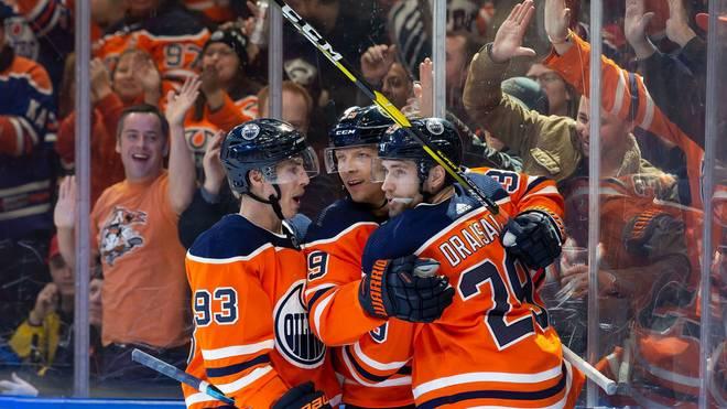 Leon Draisaitl (r.) glänzt derzeit für die Edmonton Oilers
