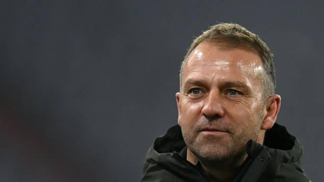 Der kicker ehrt Bayern-Trainer Hansi Flick