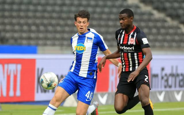 Lazar Samardzic (l.) kam bislang zu drei Einsätzen in der Bundesliga