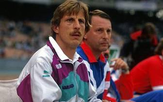 Zunächst arbeitet er unter Hannes Löhr, anschließend mit Georg Keßler. Nach dessen Entlassung im September 1986 bekommt schließlich Daum die Rolle des Cheftrainers übertragen