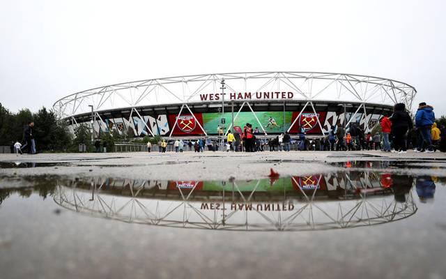 Aufgrund von antisemitischen Gesängen bekommt ein Fan lebenslanges Stadionverbot bei West Ham United