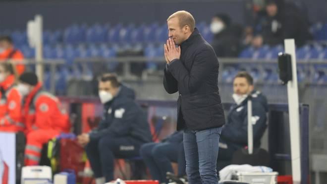 Sebastian Hoeneß bei der herben Niederlage auf Schalke