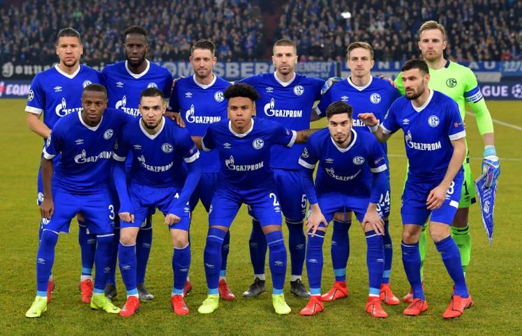 Mit dieser Elf wollte Schalke 04 dem Favoriten von Manchester City ein Bein stellen. Am Ende hat es trotz Führung und Überzahl nicht gereicht. SPORT1 beurteilt die Leistung der Schalker im Achtelfinal-Hinspiel der Champions League