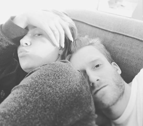 """Der Liebes-Traum ist ausgeträumt! Andre Schürrle und Montana Yorke gehen künftig getrennte Wege. Beim letzten Selfie der beiden vor 13 Wochen schrieb Schürrle von einem """"harten Tag mit seiner Verlobten"""". Nun werden die Tage wohl noch härter"""