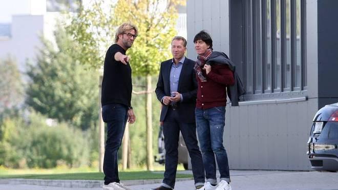 Jürgen Klopp (l.) ist nicht für die Wahl Trainer des bisherigen Jahrhunderts nominiert - Joachim Löw - trotz lediglich eines Titels - schon