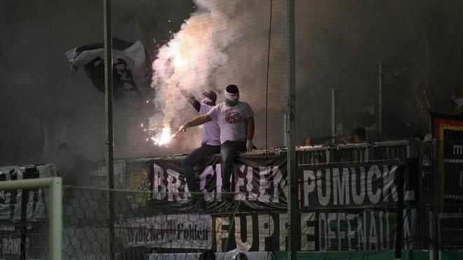 Auch in Sandhausen fackelten einige Fans der Borussia