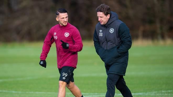 Donis Avdijaj (l.) will bei Heart of Midlothian mit Trainer Daniel Stendel einen Neuanfang wagen
