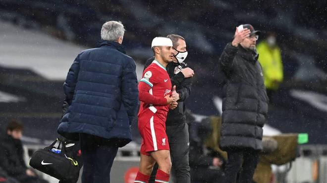 Thiago verletzte sich am Kopf und bekam einen Verband