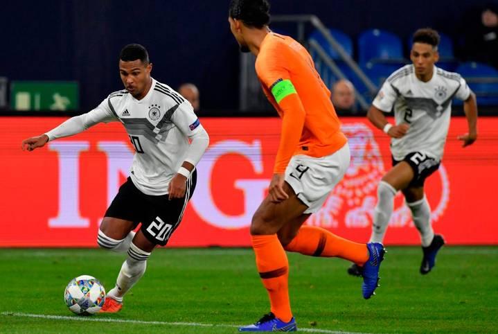 Es ist wieder so weit. In der EM-Qualifikation kommt es zum Klassiker Deutschland gegen die Niederlande. Im Hamburger Volksparkstadion steigt das 44. Duell zwischen den beiden Erzrivalen. SPORT1 vergleicht die einzelnen Positionen im Head-to-Head