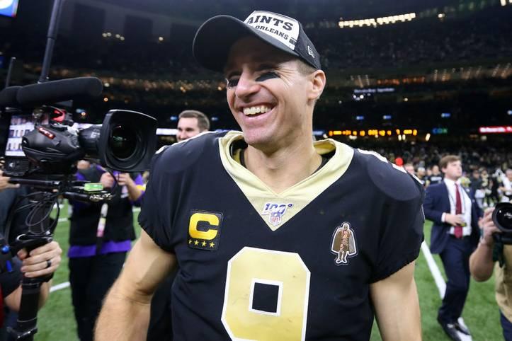 Großer Freude bei Drew Brees! Der Quarterback der New Orleans Saints warf gegen die Indianapolis Colts vier Touchdowns und katapultierte sich damit an die Spitze des All-Time-Rankings
