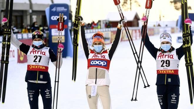 Kuusamo: Johaug (M.) gewinnt ersten Distanzweltcup