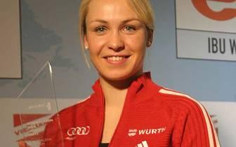 Im gleichen Jahr wird sie zur Sportlerin des Jahres gewählt und ist fortan das große Aushängeschild des Biathlons. Bei der Wahl der SPORT1-User zur Sportlerin des Jahres holt sie fünf Mal in Folge den Titel