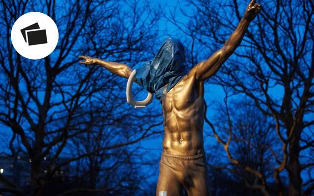 Die Statue von Zlatan Ibrahimovic wurde von Unbekannten an den Füßen abgesägt