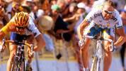 Voigts Karriere als Profi beginnt 1997 beim australischen Radsportteam ZVVZ-GIANT-AIS. Nur ein Jahr später wechselt er zur französischen Mannschaft GAN (Ende 1998 erfolgt die Namensänderung in Credit Agricole) und absolviert 1998 seine erste Tour de France. Bei seiner Debüttour unterliegt Voigt auf der 9. Etappe erst im Sprint dem Niederländer Leon van Bon